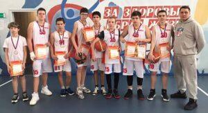 Районные соревнования по баскетболу мальчики-2 место (тренер Семишин С.В.)